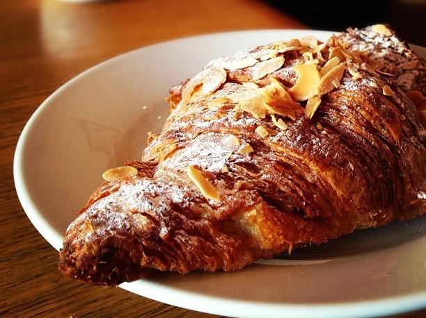 Almond Croissant | © Faruk Ateş/Flickr