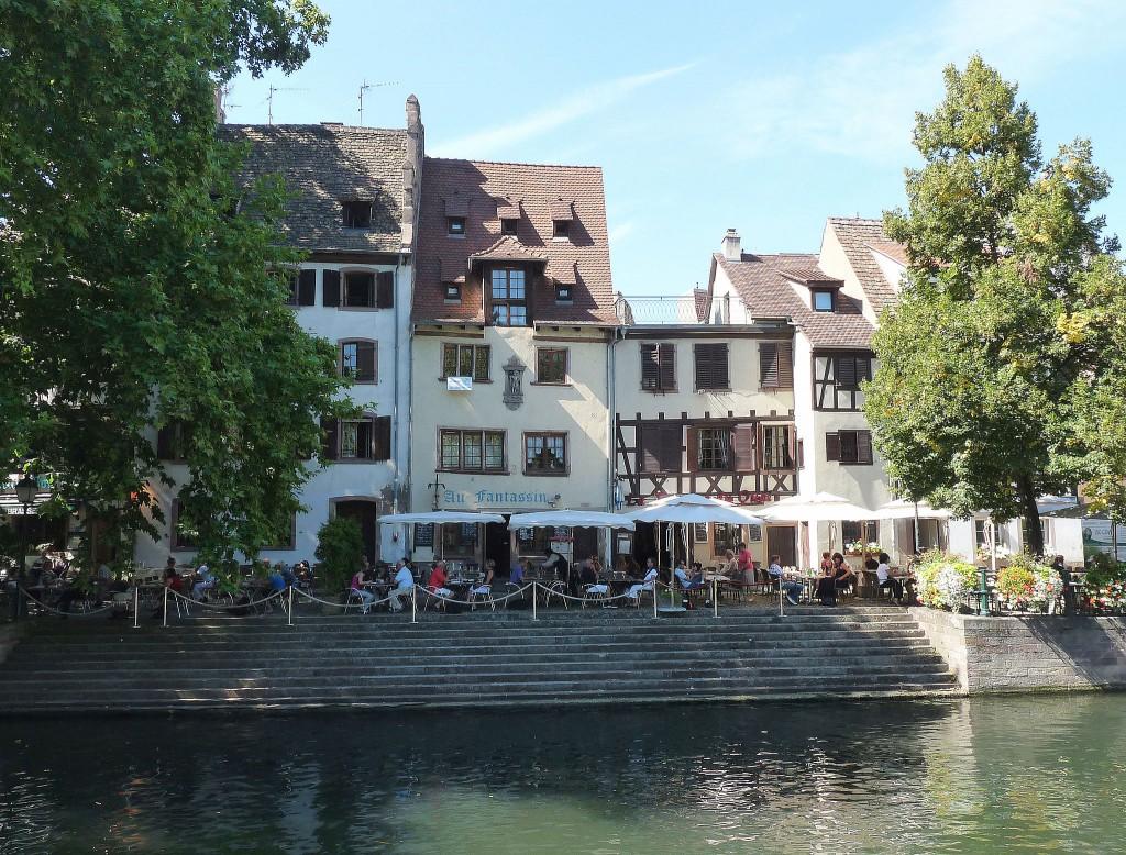 Strasbourg : maison, 4 quai de la Bruche. Construction 1599. Le monument sculpté de la façade est inscrit aux Monuments historiques depuis 1931. | ©Ji-Elle/WikiCommons