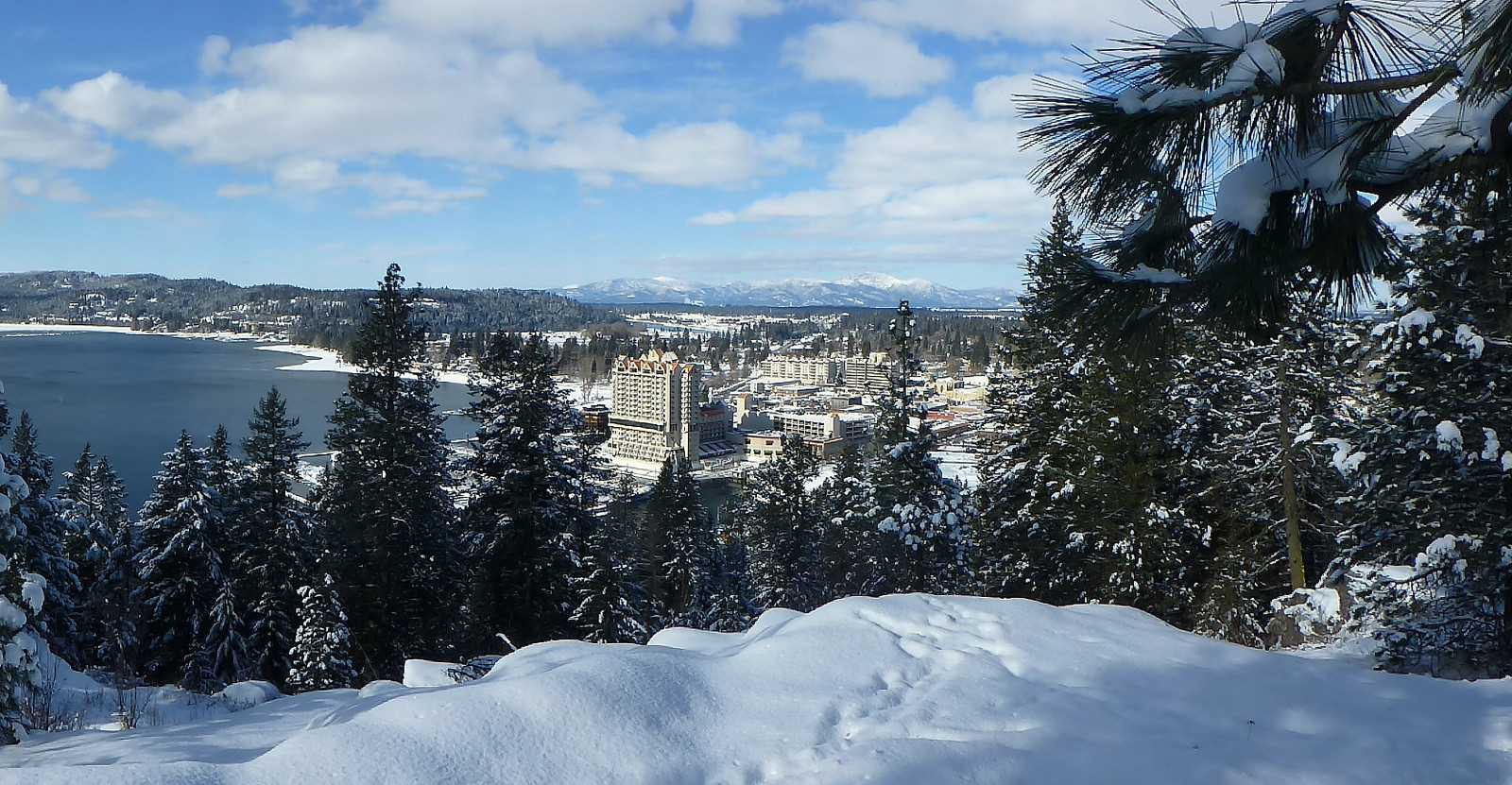 Coeur d'Alene from Tubbs Hill © DAT in Idaho_Flickr