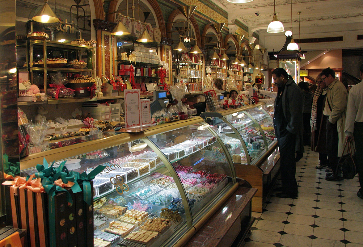 Harrods Food Hall | © Anna Anichkova / WikiCommons