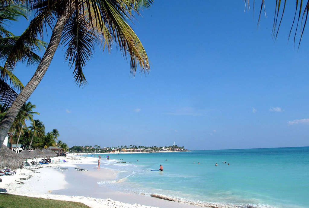 A view of Eagle Beach in Aruba | ©Rumblebee/WikiCommons