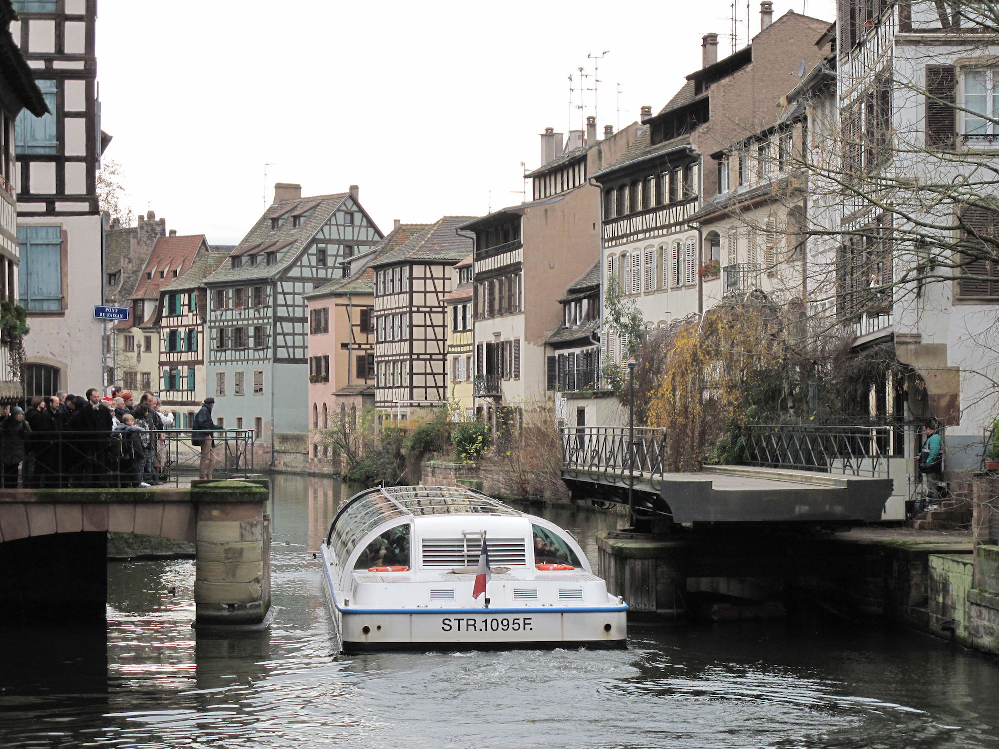the top 10 restaurants in petit france strasbourg. Black Bedroom Furniture Sets. Home Design Ideas