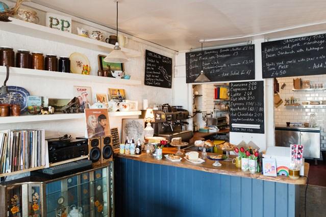 © David Hutchinson/Coffee Shop/Flickr