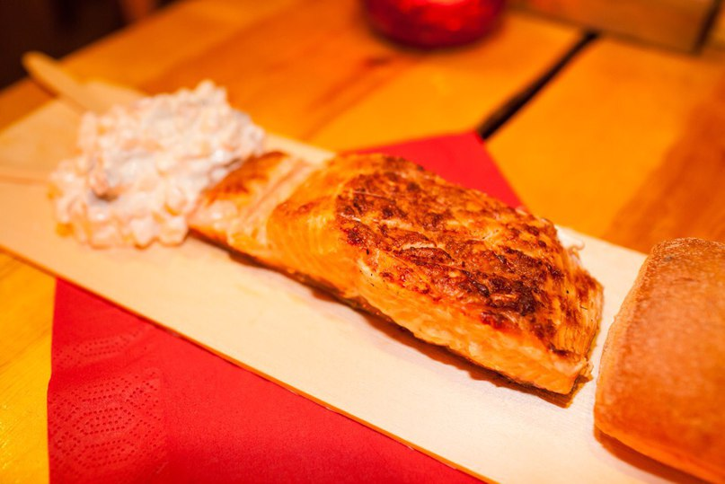 Main Dish: Salmon with bread and potato salad | Image Courtesy of Santa's Salmon Place