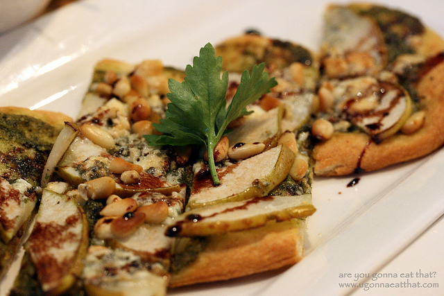 Pear and Gorgonzola Flatbread   ©are you gonna eat that/Flickr