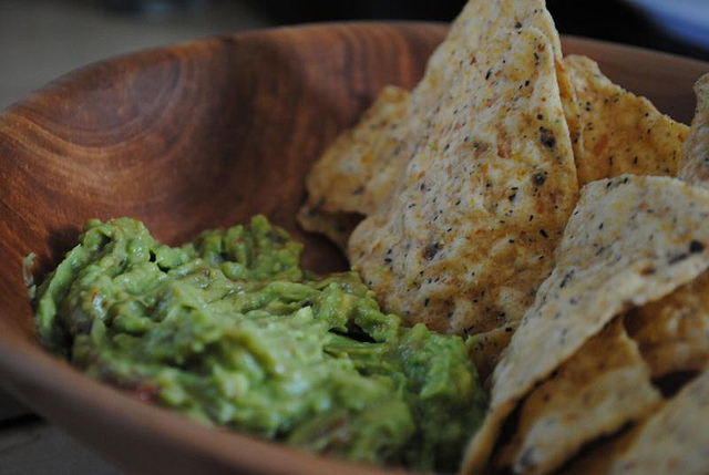 Chips and Guacamole | ©Stephanie Keeney/Flickr