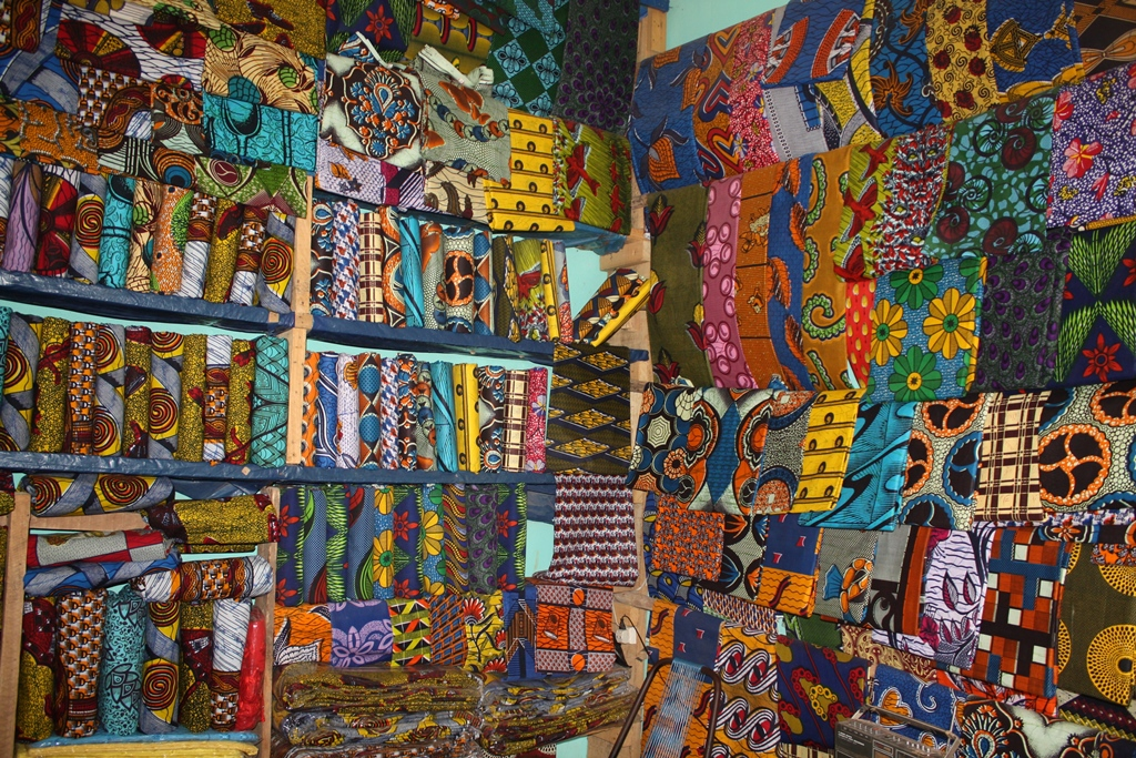 African prints © Alexander Sarlay/ WikiCommons