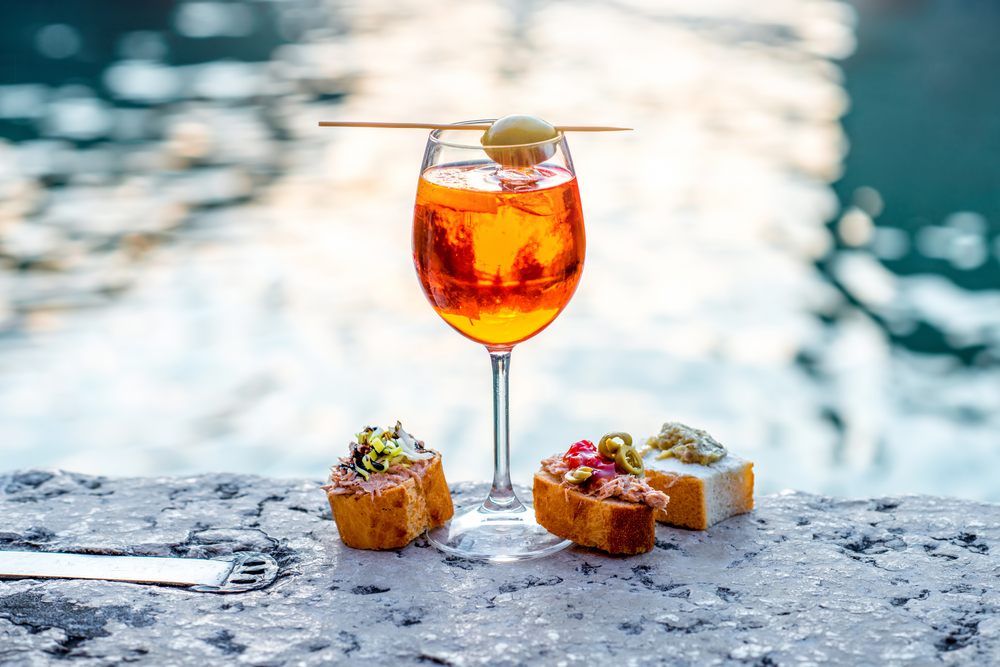 The top 10 things to see and do in navigli milan for Cocktail spritz