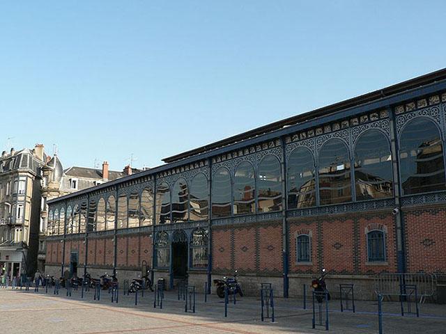 Markets (les Halles), Limoges, France © Aratar/wikicommons