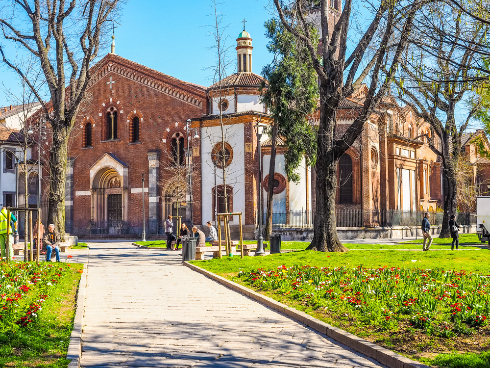 Basilica Sant Eustorgio | © Claudio Divizia/Shutterstock