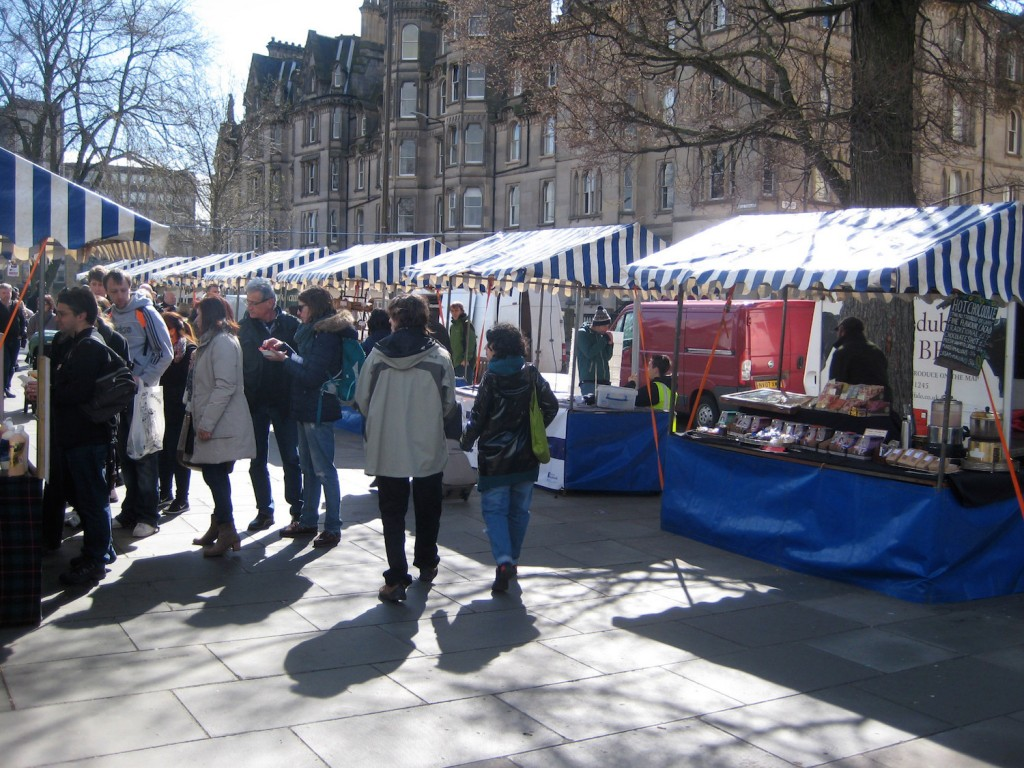 Edinburgh Farmers Market is a dominant attraction amidst the capital's hopping market scene © Wendy / Flickr