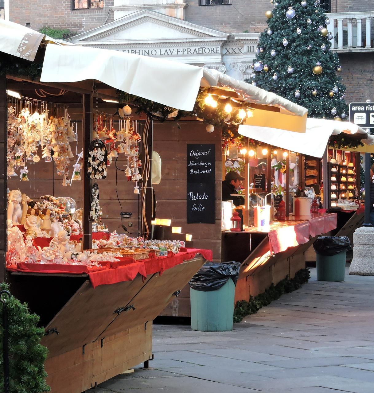 Christmas Flea Market | © pcdazero/Pixabay