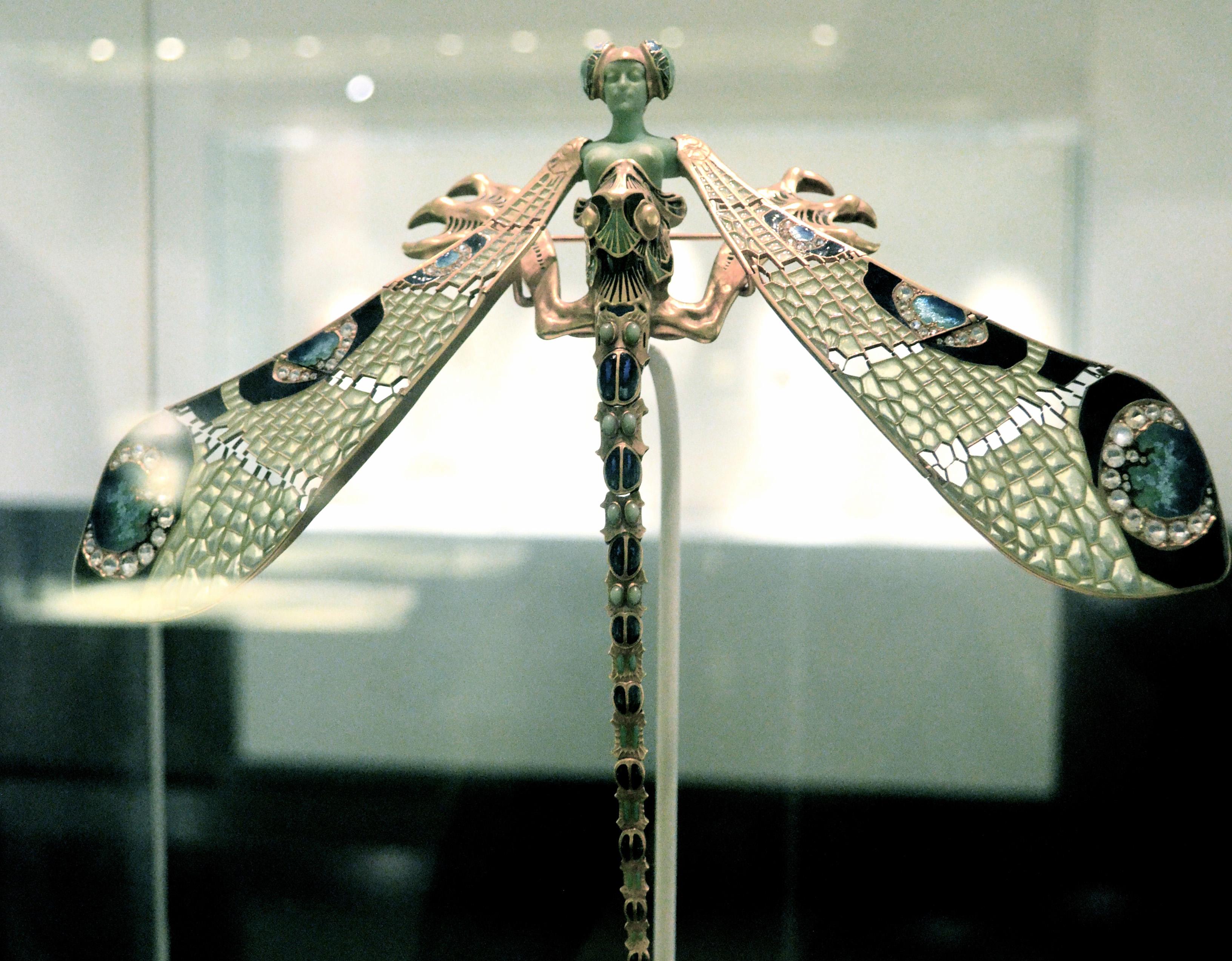 Pectoral 'dragonfly' brooch c. 1897-98 worn by Sarah Bernhardt, Museu Calouste Gulbenkian | © Barbara Boumaraf-Tissier