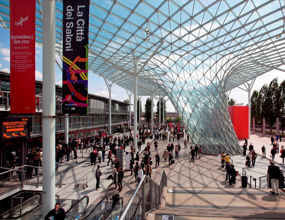 People at the entrance of architecture and interiors design pavilions during Salone del Mobile | © Adriano Castelli/Shutterstock