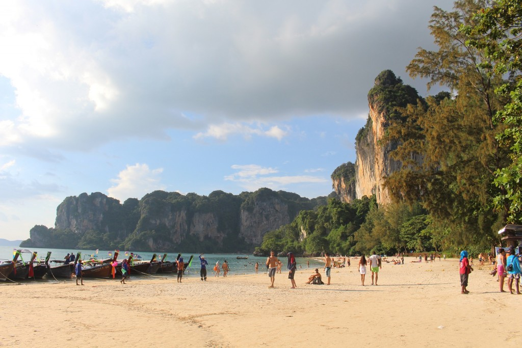 The Railay peninsula not only offers marvelous beaches but is also a true paradise for rock climbers © Pixabay