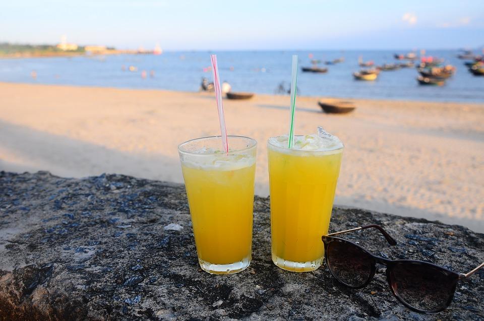 Drinks on the beach  ©Pstung0/Pixabay