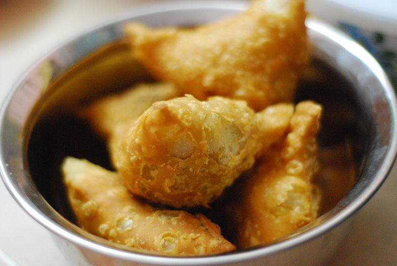 Samosa, Late Breakfast Snack  © Kalyan Kanuri/WikiCommons