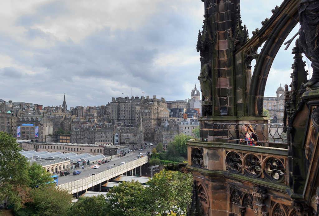 View over the old town from Scott Monument © Fw42 / Flickr