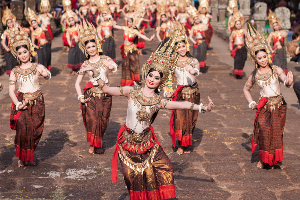 Reenactment Apsara Dance in Phanom Rung Historical Park, Buriram, Thailand © Jukgrit Chaiwised / Shutterstock