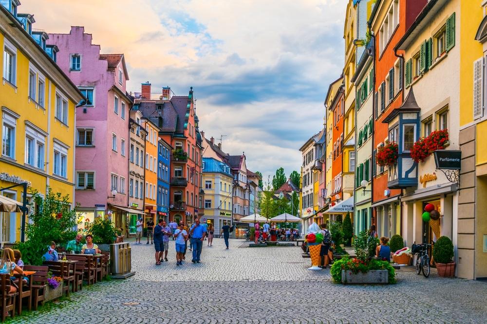 Main street in Lindau, Germany | © trabantos/Shutterstock