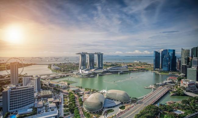 Singapore Skyline. Singapore's business district | © anekoho/Shutterstcok