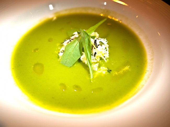 Squash and spinach soup | © Edsel Little/Flickr