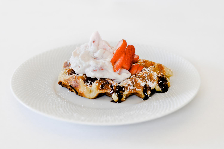 strawberrycream2 |Courtesy of Wow Wow Waffle