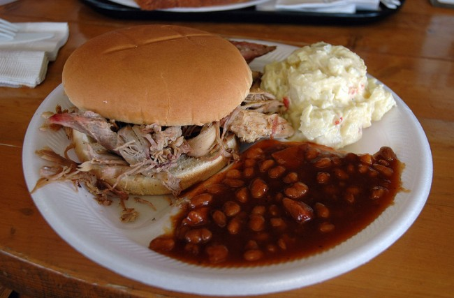 Smokehouse BBQ's pulled pork |© Marshall Astor/WikiCommons
