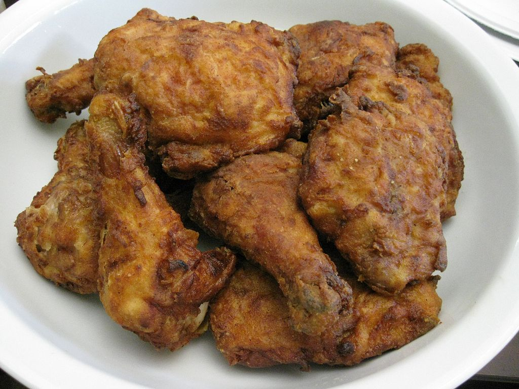 Pollo Frito, golden brown deliciousness / © Wikicommons