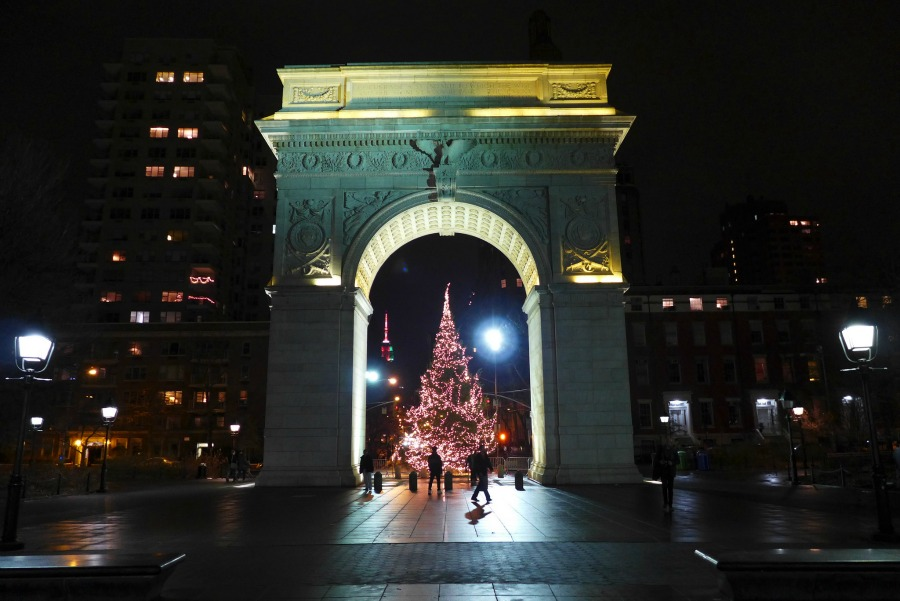 Christmas Arch | © Rich Mitchell/Flickr