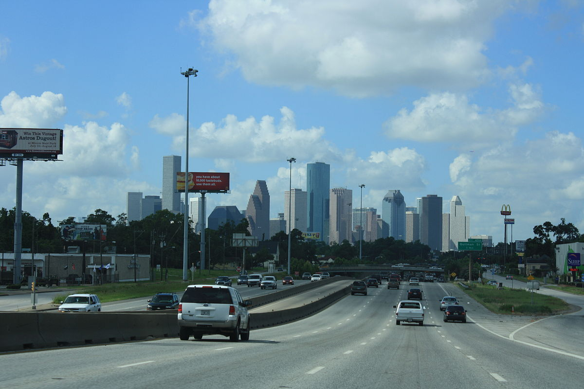 Southbound on the North Freeway | © Pderry/ Wikimedia Commons