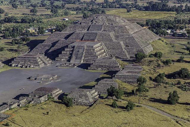 13 Buildings - Teotihuacán