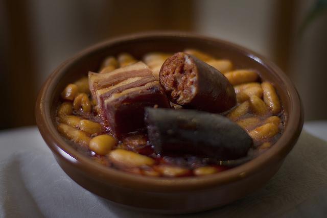 Fabada Asturiana y Compangu | © Flavio Lorenzo Sánchez/Flickr.