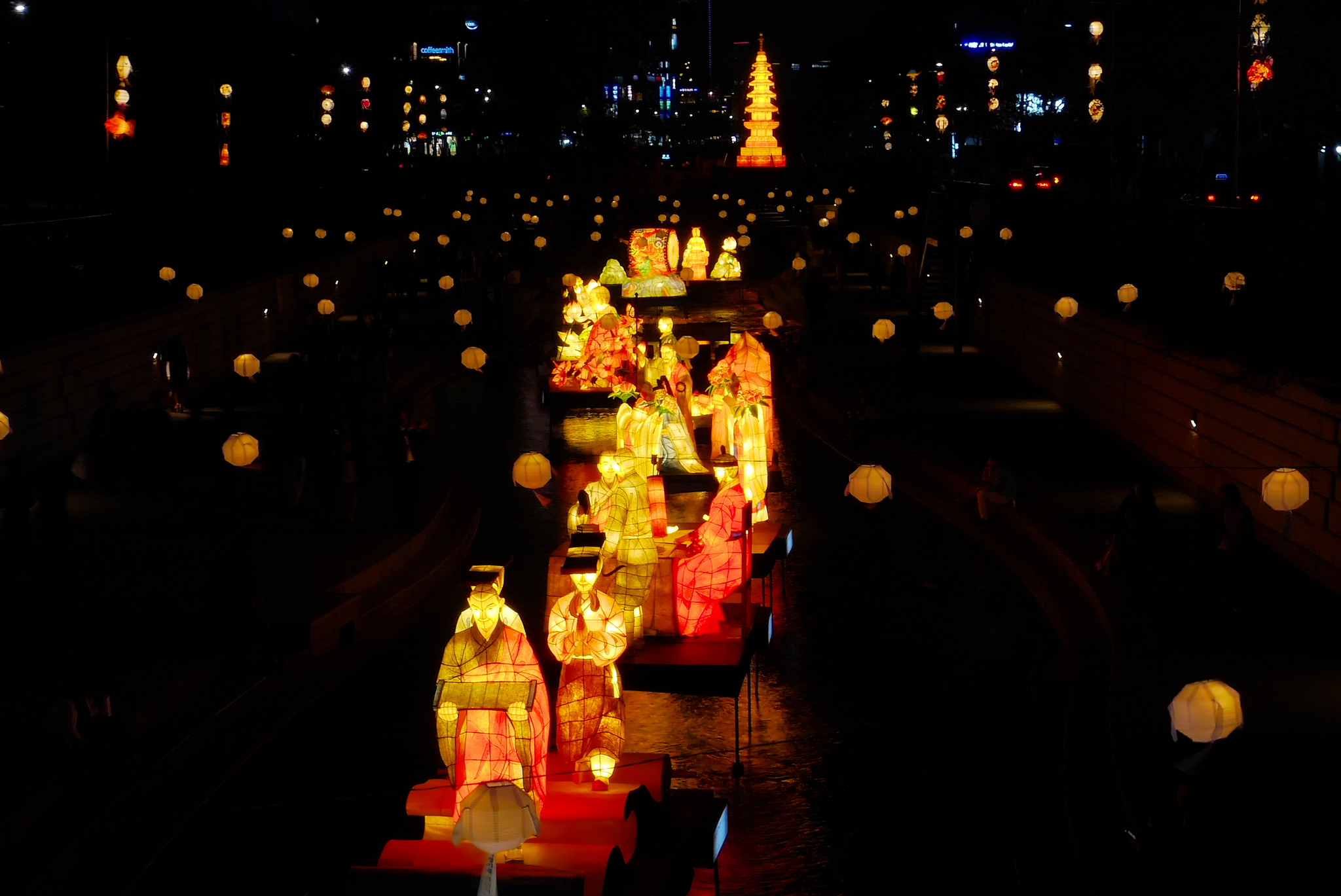 Lotus Lantern Festival  © travel oriented/Flickr