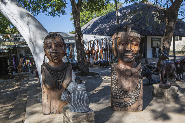 Zimbabwe art I © ninara/Flickr