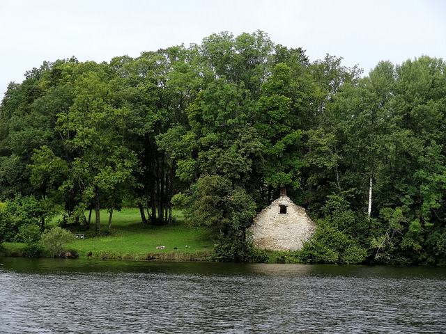 The remains of a stone construct in Daugavpils I ©Koknese/Flickr