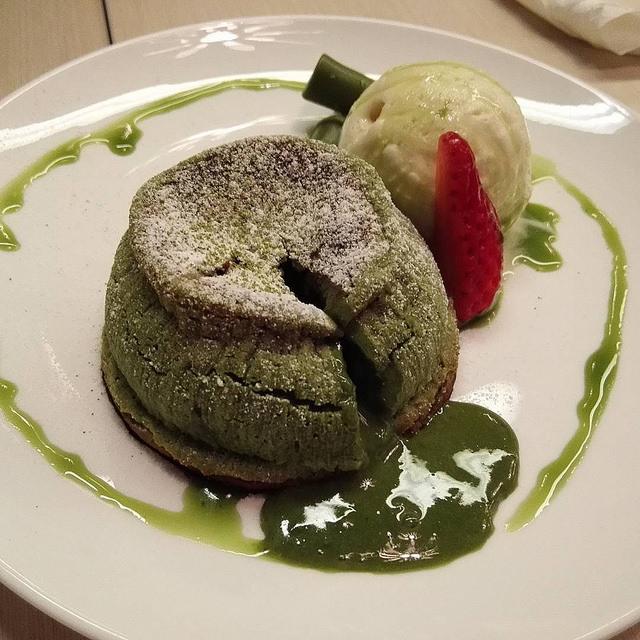 Matcha Lava Cake [ © Vernon Chan Flickr ]