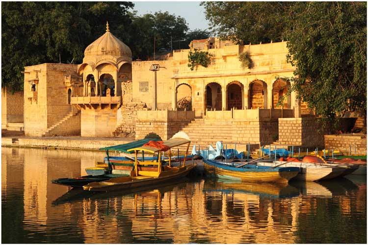 Gadisar_Lake_India| © Ramnath Bhat/WikiCommons