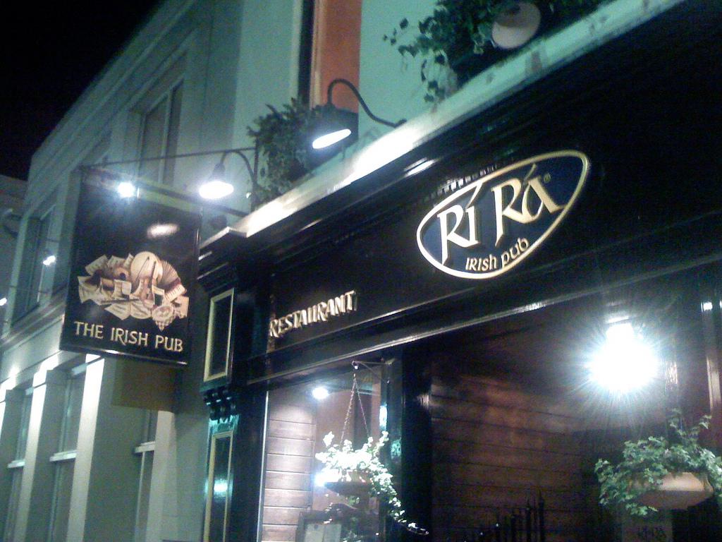 Ri Ra Irish Pub |© Justin Ruckman/Flickr