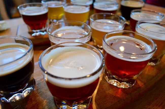 Beer Flights | © Lauren Topor/ Flickr