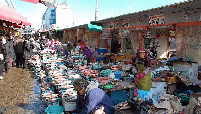 Fish Market |© LWYang /Flickr