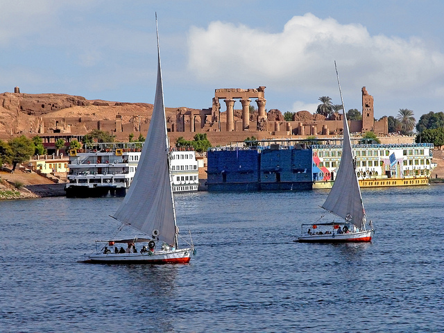 Feluccas on the Nile | © Dennis Jarvis/Flickr