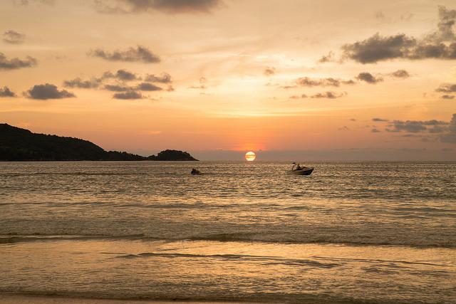 Patong Beach | © evelynquek/Flickr
