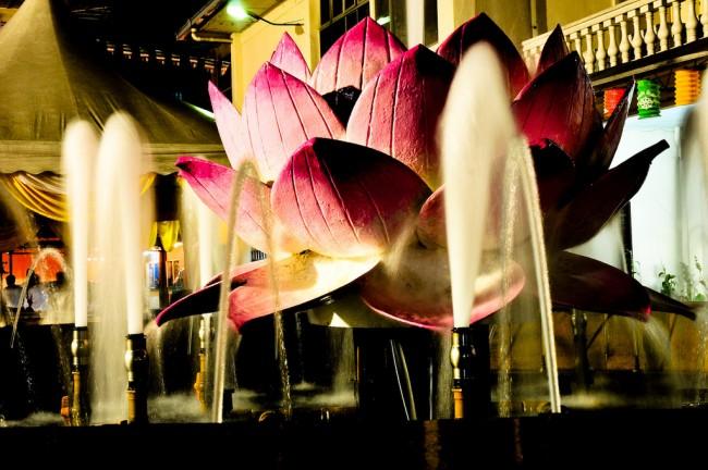 Lotus Fountain | © C.K. Koay/Flickr