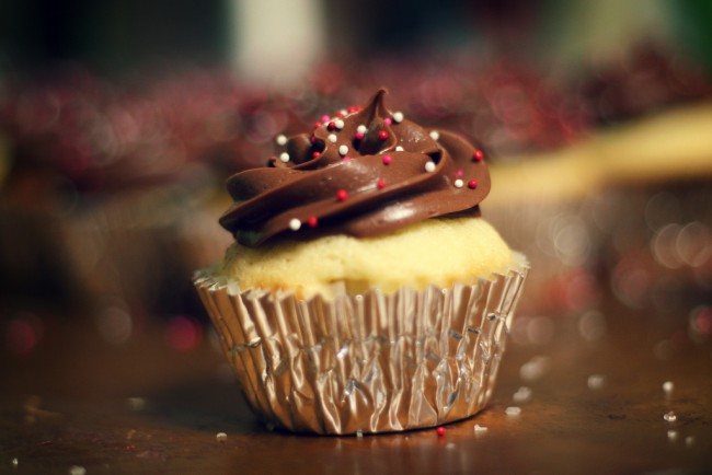 Milk chocolate frosting | © Ginny/Flickr