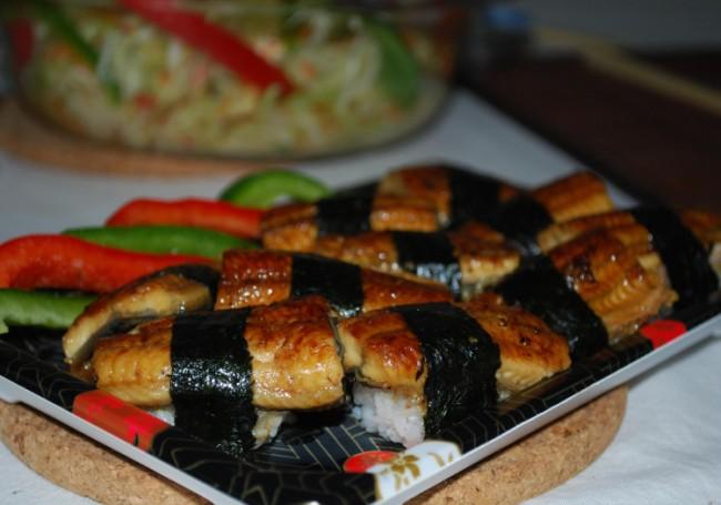 Unagi nigiri sushi – Suzuran – flash   © Alpha/Flickr