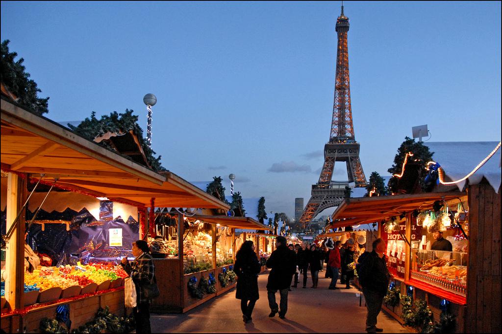 Christmas Market, Quai Branly   © Jean-Pierre Dalbéra/Flickr