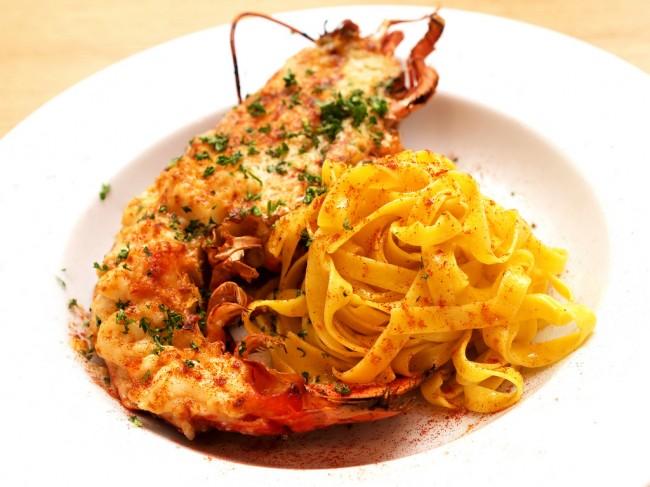 Lobster spaghetti © prawncrackers/Flickr