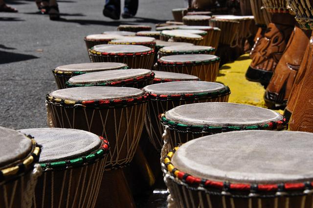 Traditional African drums I © Serge de Gracia/Flickr