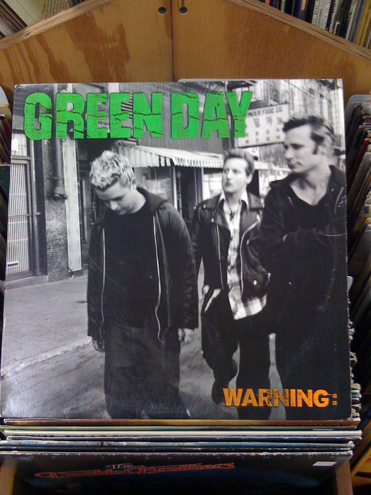 Warning Album © Evan Moss/ flickr